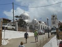 Op naar het kerkje in Pilos