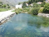 4c  In de zomer een druk bezochte Piscine Fluvial