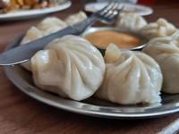 Momo's! Traditionele Nepalese dumplings - deze waren gevuld met buffelvlees