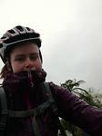 In de regen naar training