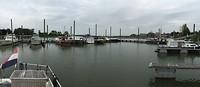 Stadshaven watersportvereniging Tiel uitzicht op de Waal