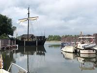 Haven van kampen met uitzicht op t Koggeschip en de IJssel