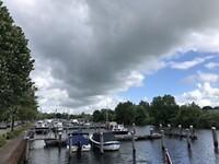 Wolkendek boven haven