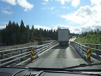 Hier wordt een nieuwe brug gebouwd, deze is te smal!