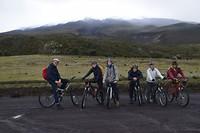 Mountainbiken van een vulkaan