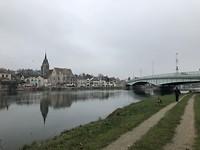 Lunchpauze in Pont-sur-Yonne.