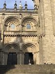 Zij-ingang kathedraal.