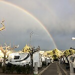 Regenboog vlak voor een flinke bui.