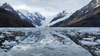 Reflectie in het fjord.
