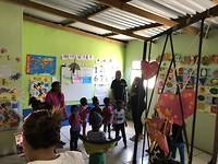 Bezoek aan schooltje in een Township