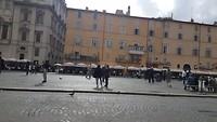 Sfeer proeven op plein in Rome