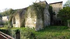 Resten kasteel uit 950.