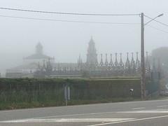 A Estrada, kerk en kerkhof.