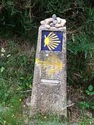 10 km voor Santiago m'n steen achtergelaten (de ronde bovenop).