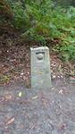 Nog een oude kilomterpaal op de Camino.