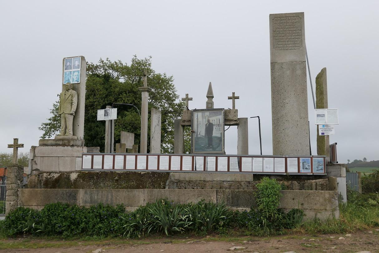 Mausoleum in A Penela voor oud-inwoner.