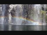 nog maar eens een regenboog in de waterval
