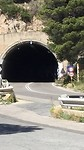 Tunnels, scheelt veel klimwerk.