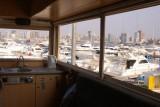 zicht op de jachthaven van Luanda vanuit de vrachtwagen
