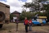 31 jaar op reis, Emil en Liliane, 74 en slapen achterin de blauwe Toyota