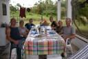alweer gezellig aan tafel bij Wim en Anja
