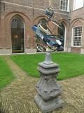 Zonnewijzer binnenplaats Stadhuis Haarlem