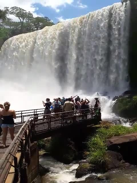 Imposanter dan de Niagara-falls