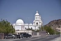 San Xavier del Bac. Wordt hier ook wel Ẃítte duif' genoemd