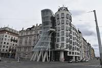 Modern gebouw in  De Nieuwe Stad.
