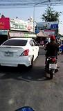 Piet rijdt al als een echte Thai....