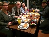 met de reisleidster eten laatste avond