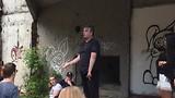 De oorlogsveteraan  aan het woord bij hotel Igman