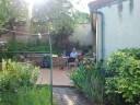Aaltje in tuin Vindey