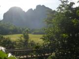 Uitzicht vanuit onze bungalow in Vang Vieng