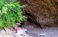 Ingang van de verborgen grot