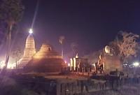 De oude tempel in het hart van het feest