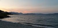 Avond wandeling langs het meer