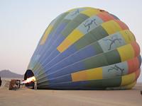 Bij zonsopgang een ballonvlucht maken boven de Sossusvlei
