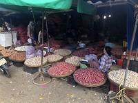 Dong Ba markt - knoflook en ui