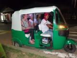 In de taxi op weg naar het busstation