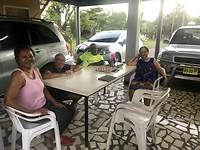 2018-11-13_Afscheid van de erfbewoners. Van links naar rechts: Titia, Rob, Soenil en Tante Tine