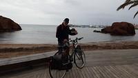 Frankie op de fiets met gerepareerde remmen