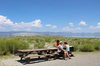 Picknicken aan het Mono Lake