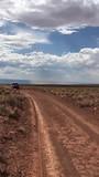 """Mel """"Verstappen"""" in the backcountry van Arizona"""