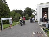 er op uit met de duo-fiets
