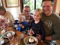 De jongens beginnen aan ons dessert, Zeger kan niet wachten!