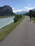 Het fietspad langs de Rijn