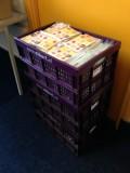 3 volle kratten met ingestoken kaarten en bijbehorende brief!