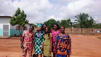 Groep van childrens home die naar Cotonou gaan om daar te werken