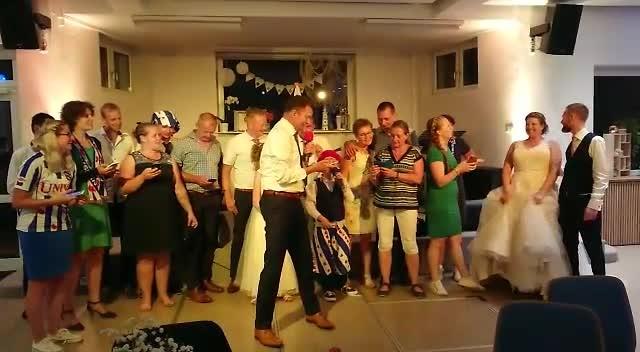 Arjen's stukje tijdens feest trouwerij